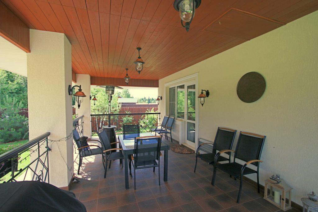 Дом, гараж с баней и технический дом